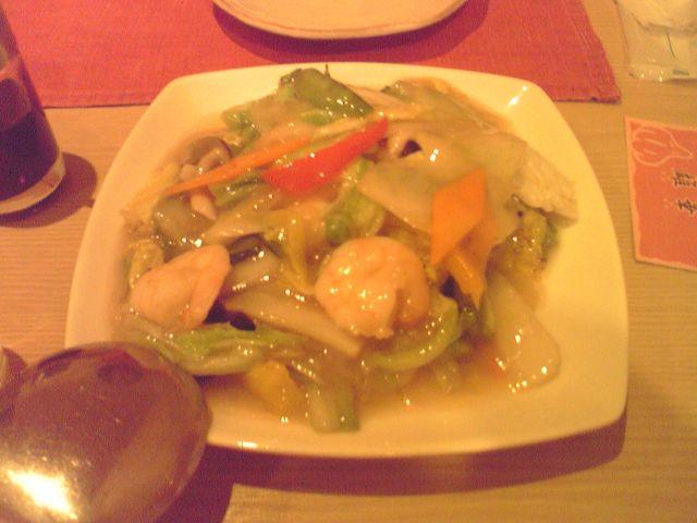 雄華の海鮮と野菜の炒め物の写真